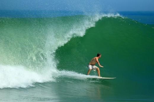 Surfing by Nooreva