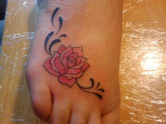 25 Lovely Rose Tattoos Designs